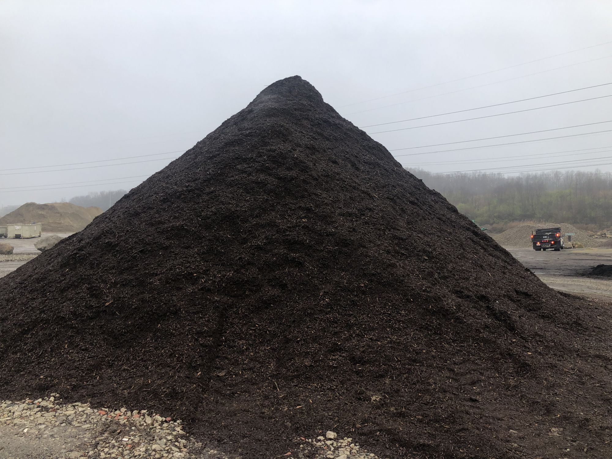 All natural brown mulch, landscaping supplies in Cleveland, Ohio