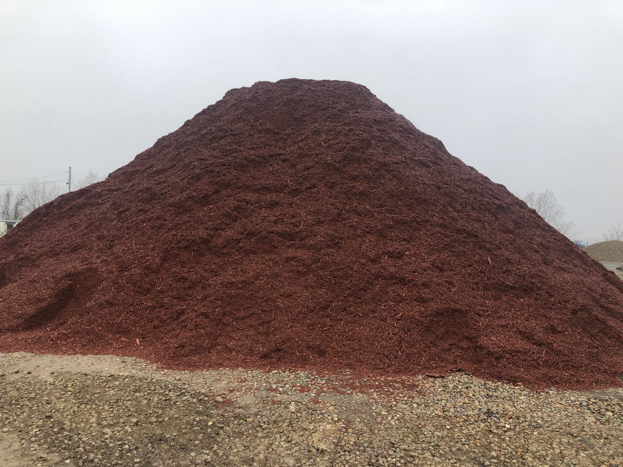 Red mulch, landscaping supplies in Cleveland, Ohio